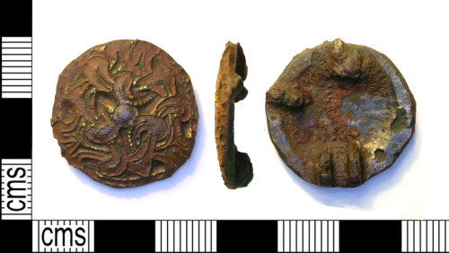 LEIC-E7A016: Early Medieval copper alloy brooch